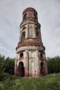 Колокольня церкви Богоявления Господня село Угодичи фото: Чупринин Михаил