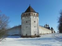 Укрепления Борисо-Глебского монастыря. Фото Лидия Басманова 2012 г.