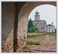 Собор Бориса и Глеба, на холме, с которого начиналс Борисоглебский монастырь Фото 2010 г.